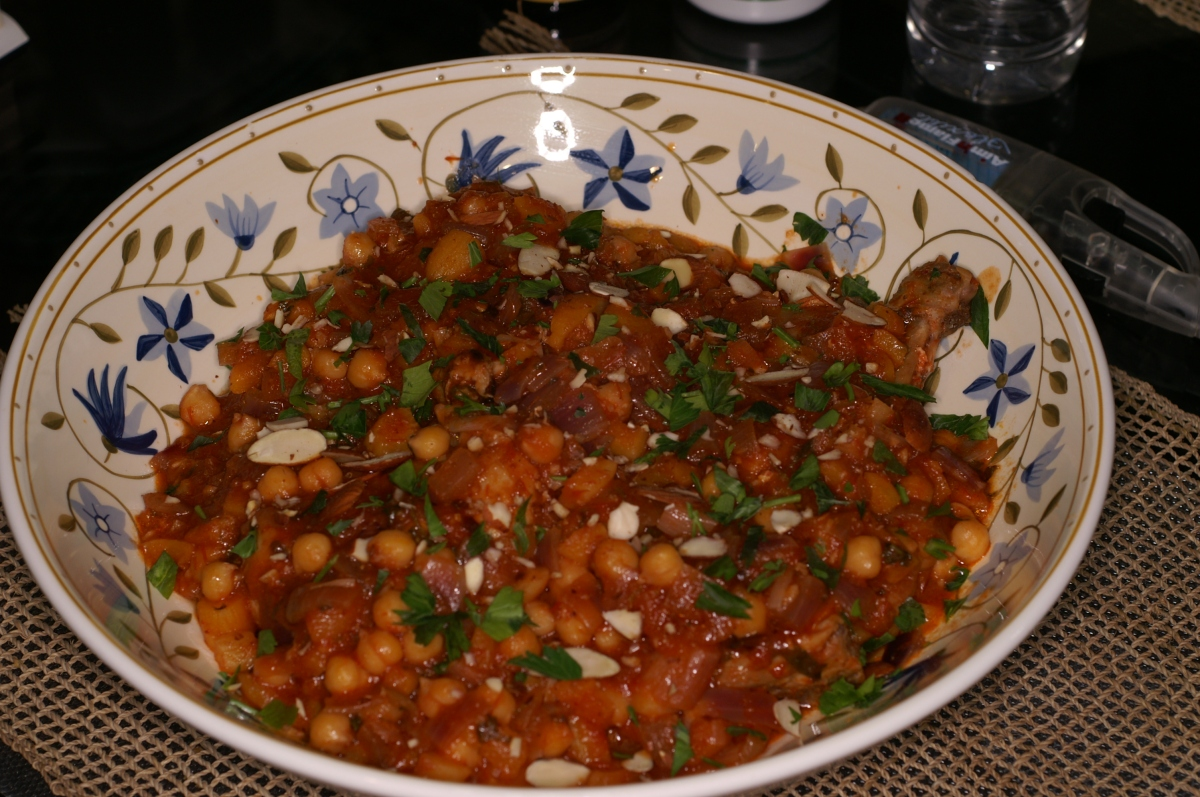 Moroccan Chicken Tagine with Apricots and Chickpeas