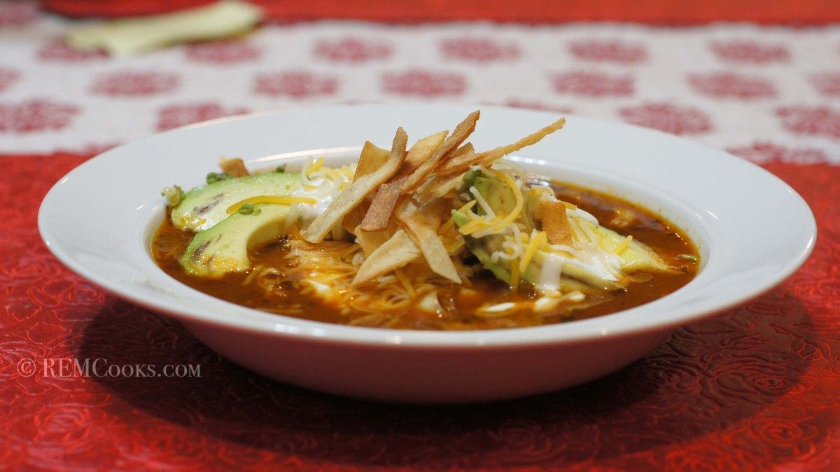 Tortilla Soup (Sopa Azteca de Tortilla)