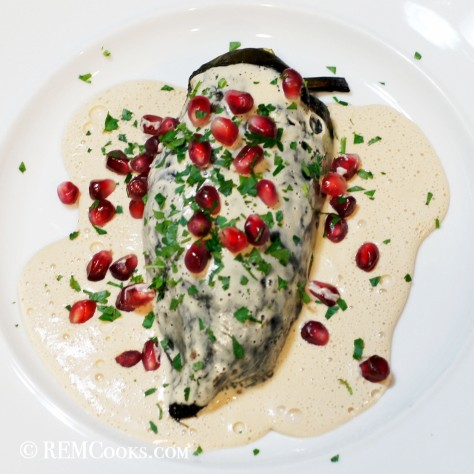 Chile Relleno en Nogada (Stuffed Chile in Walnut Sauce)